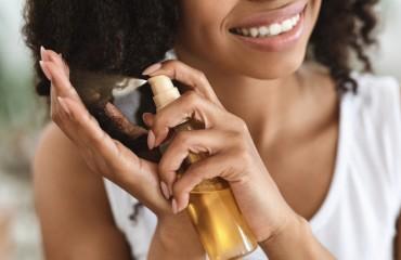 Traitement et soin des cheveux poreux